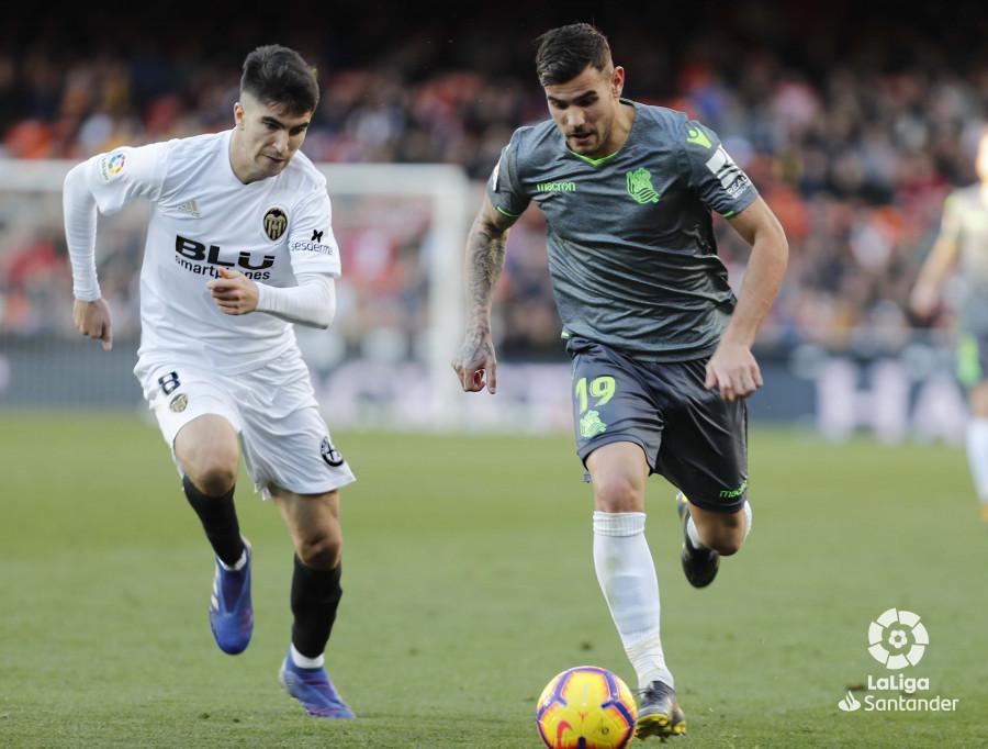 Previa Valencia vs Real Sociedad: primer partido de La Liga con mismos objetivos