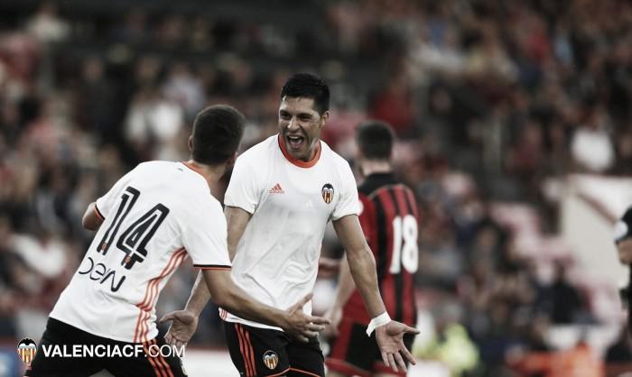 Bournemouth e Valencia fazem jogo equilibrado e empatam em amistoso na Inglaterra