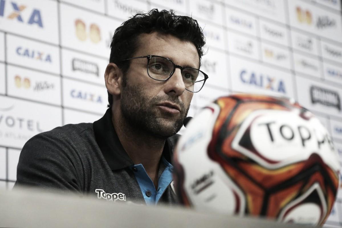 Valentim confirma ausência de Renatinho e garante já ter escalado Botafogo sem João Paulo