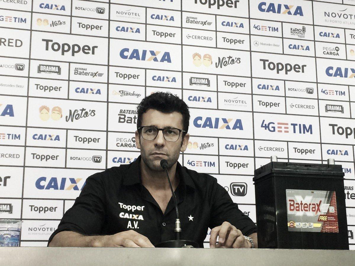 Alberto Valentim vê Botafogo 'organizado' contra Palmeiras e elogia Gustavo Bochecha