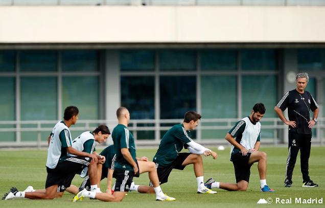 Último entrenamiento del Real Madrid antes del debut en Champions