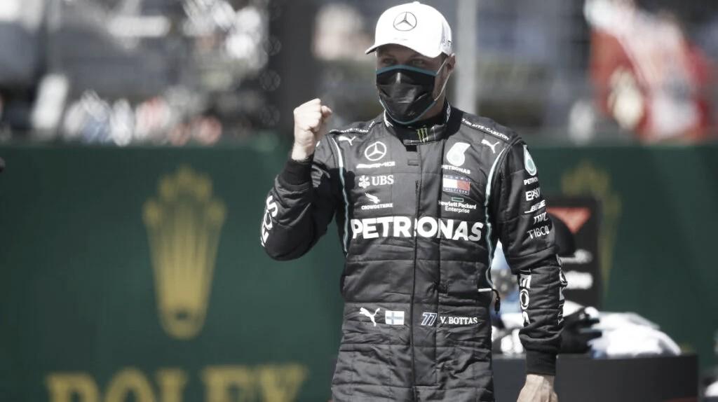 Mercedes domina en Imola