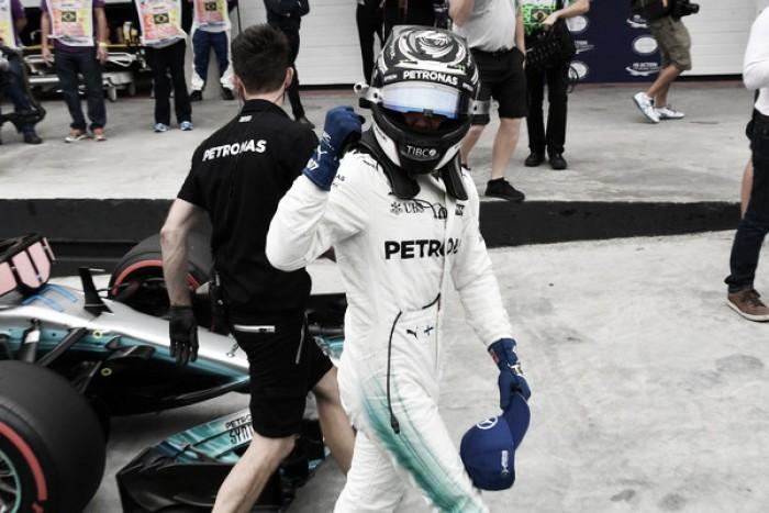 Valtteri Bottas logra una sufrida pole por delante de los Ferrari