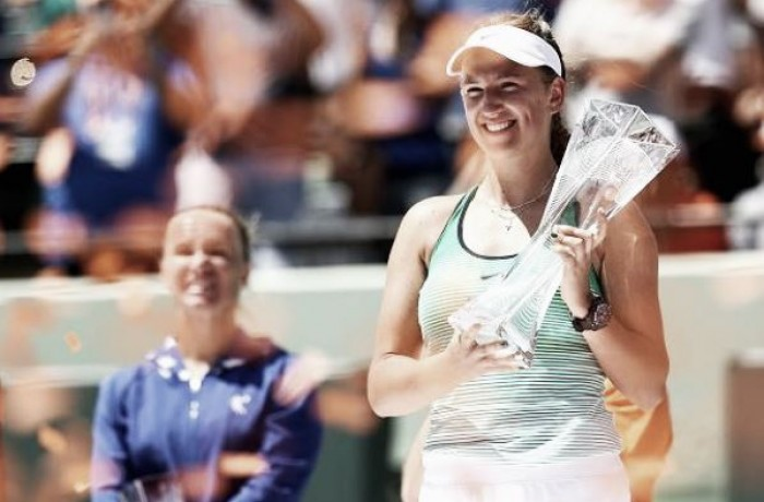 Miami Open: Azarenka completes Sunshine double
