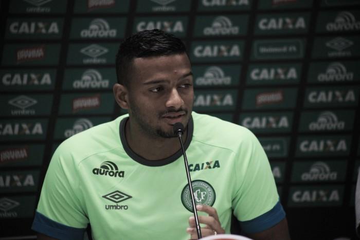 """Reinaldo afirma que arbitragem prejudicou Chapecoense: """"Quatro minutos foi a confusão"""""""