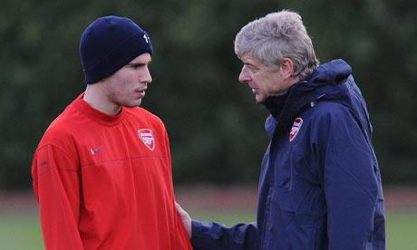 El Arsenal no ha recibido ofertas por Van Persie