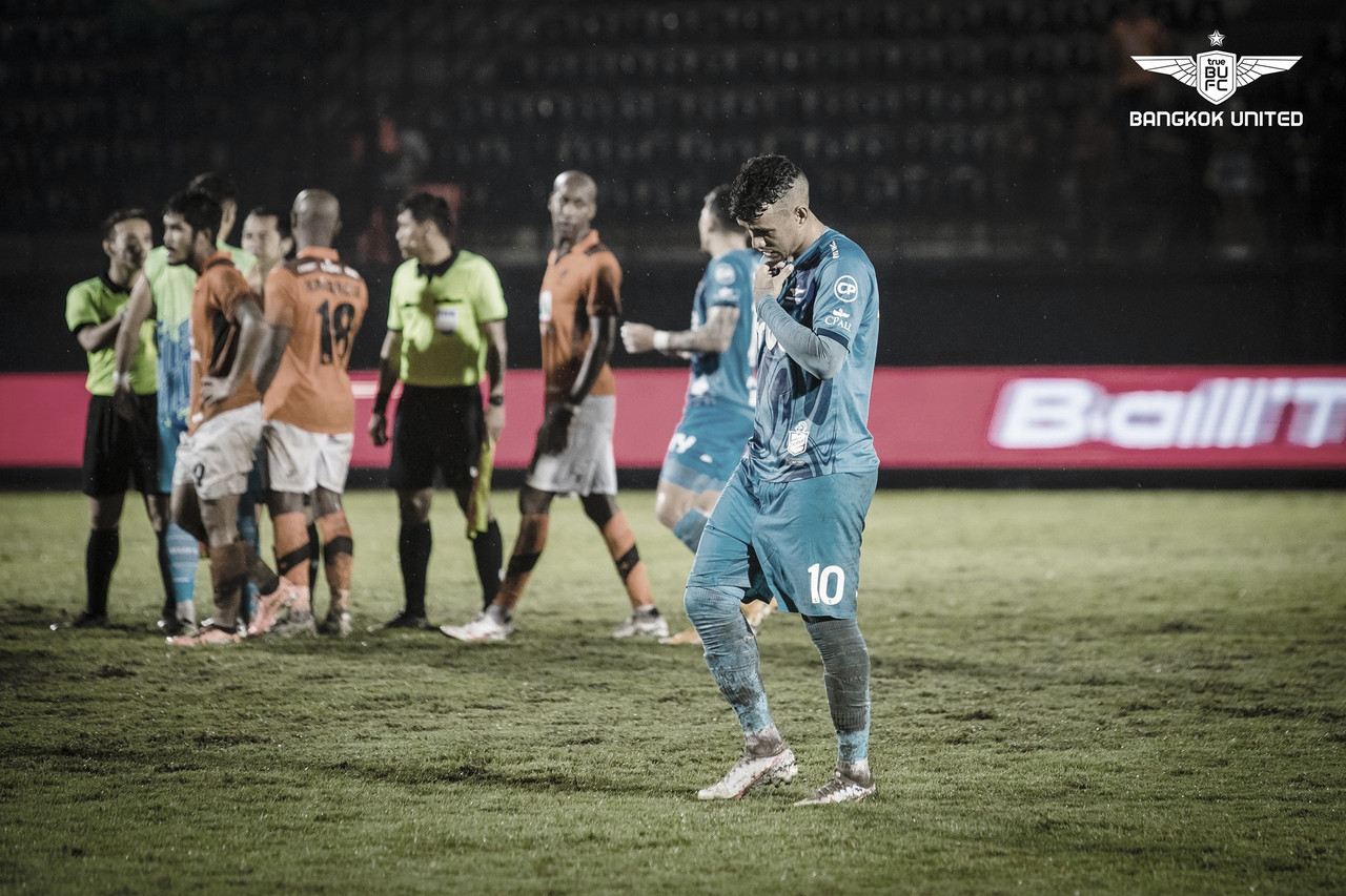 Vander volta a apresentar bons números na temporada e mira títulos pelo Bangkok United
