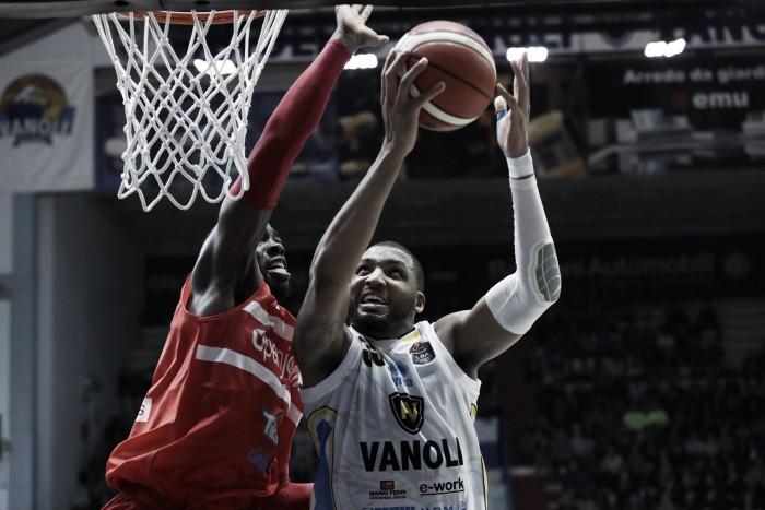 LegaBasket - Colpo Cremona, Varese battuta 85-71