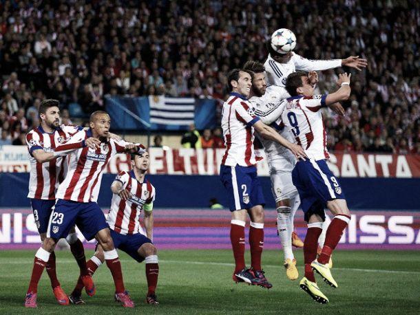 Real Madrid - Atletico Madrid: luci al Bernabeu