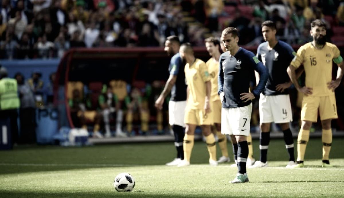Con ayuda del VAR, Francia venció a Australia