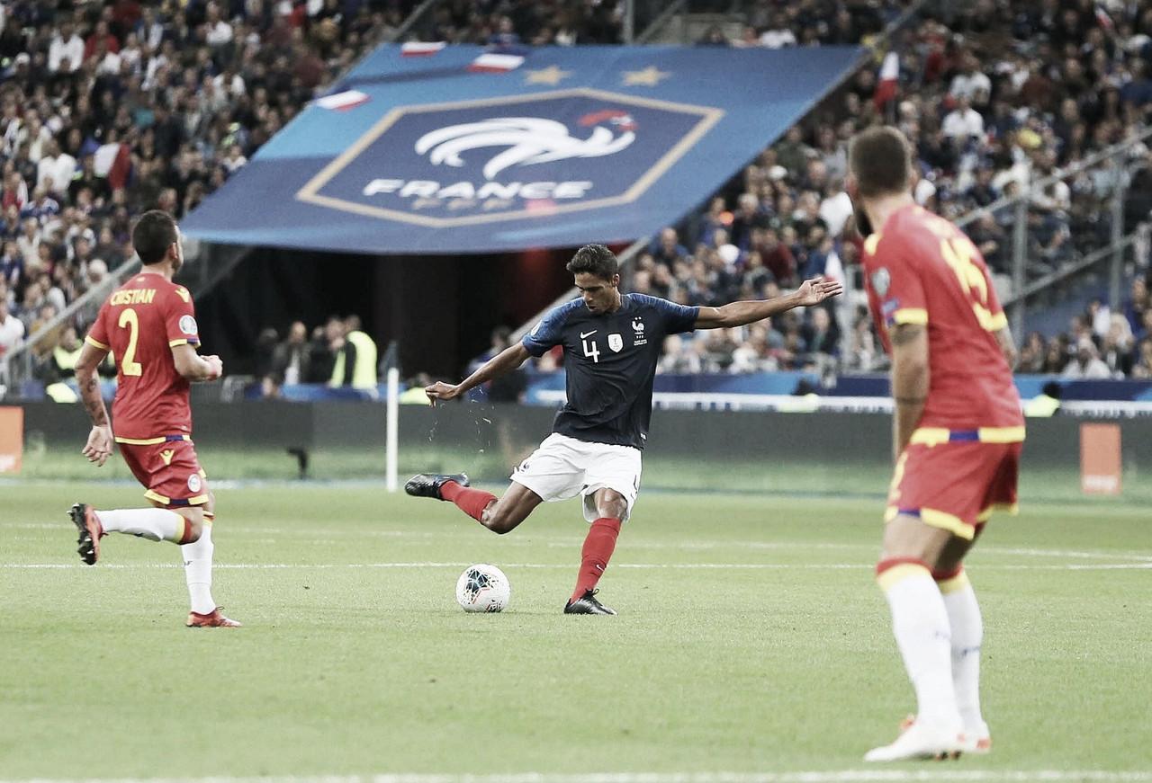 Varane, titular en la cómoda victoria francesa