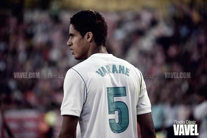 Varane no jugó en la victoria de Francia frente a Gales
