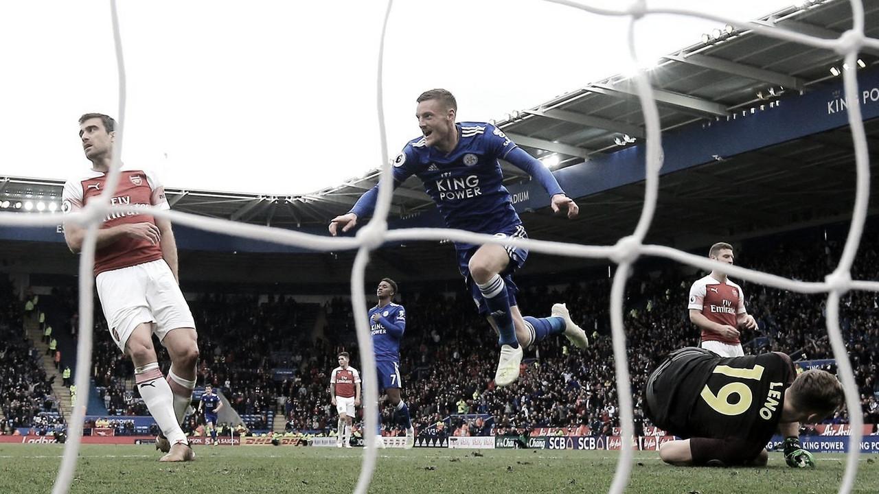 El Leicester rompe la maldición 48 años después