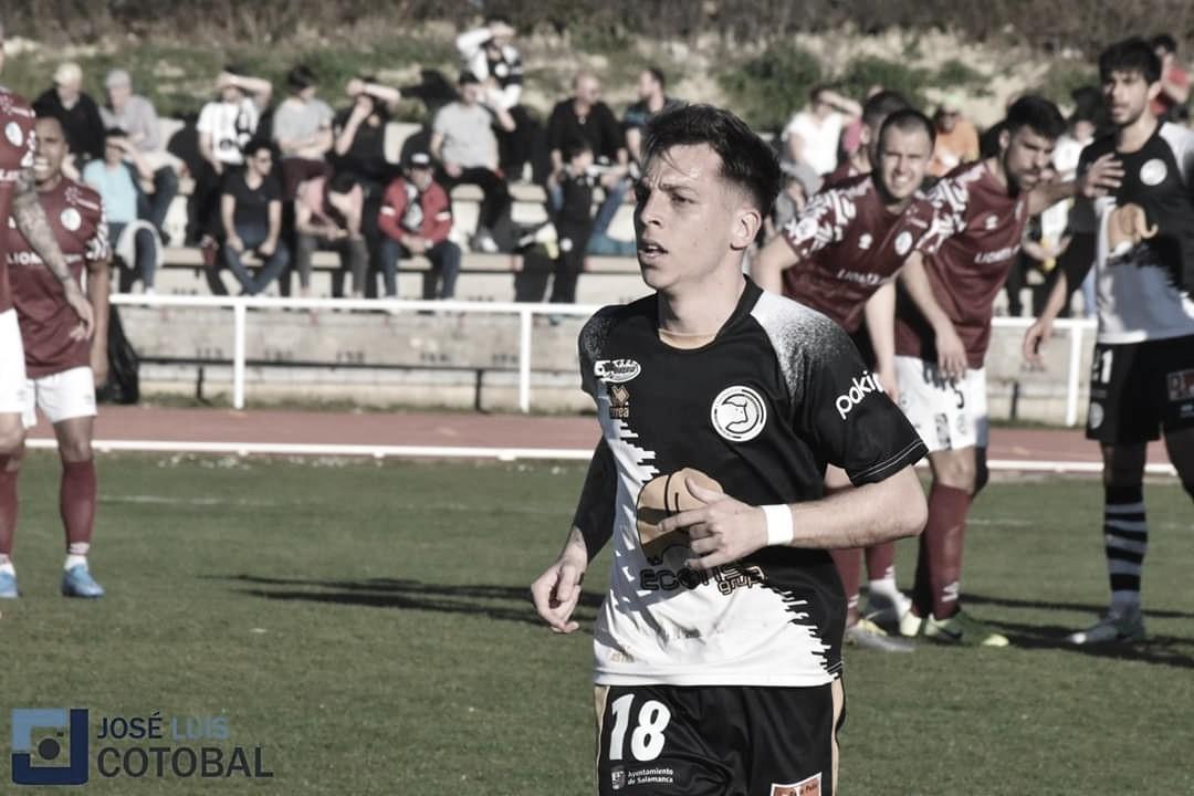 Álvaro Romero es traspasado al Algeciras tras llegar a un acuerdo con Unionistas