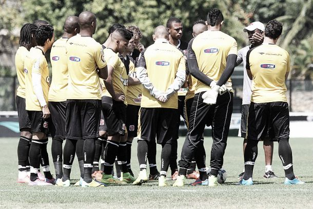 Sem técnico definido, Vasco realiza treino sob comando de Jorge Luiz