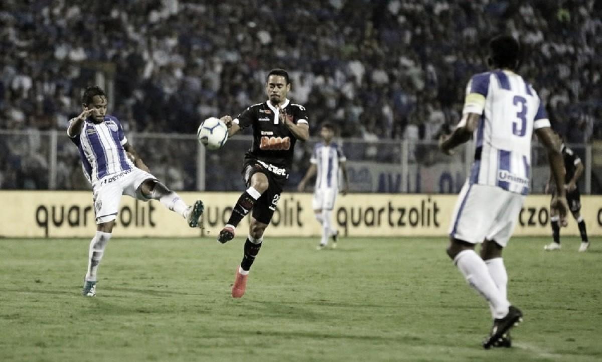Pressionados, Vasco e Avaí se enfrentam na luta contra parte de baixo da tabela no Brasileiro