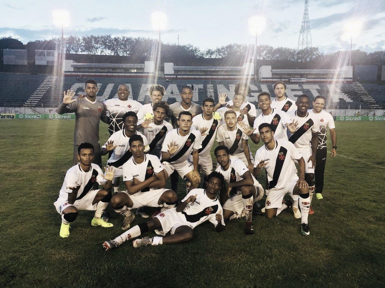Vasco supera condições climáticas e atropela Manthiqueira na Copa SP