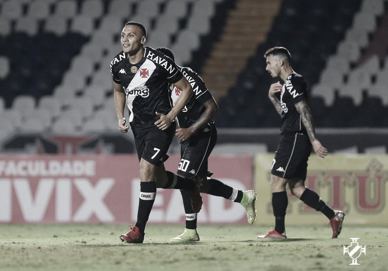 Vasco vence Vila Nova e dorme no G-4 da Série B