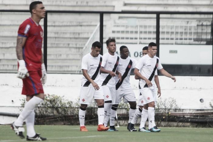 Sob os olhos de Campello, Vasco bate Nova Iguaçu e vence a primeira do ano