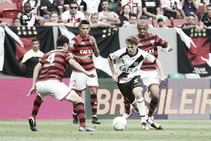 Sem Nenê, Vasco duela pela liderança com Atlético-GO em Cariacica