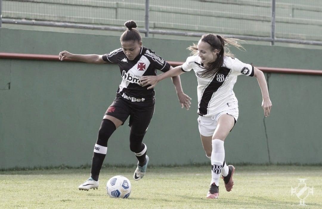 Destaque do futebol feminino do Vasco, Dani Barão fala sobre a temporada do time