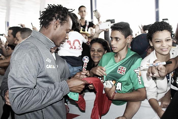 Alegria de estar 34 jogos invicto atrai torcedores vascaínos de todo Brasil