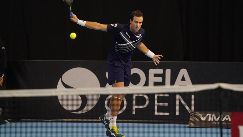 Sofia Open: Vasek Pospisil outlasts Ilya Marchenko