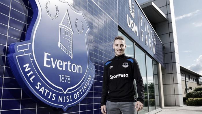Everton compra promissor atacante Nikola Vlasic junto ao Hajduk Split