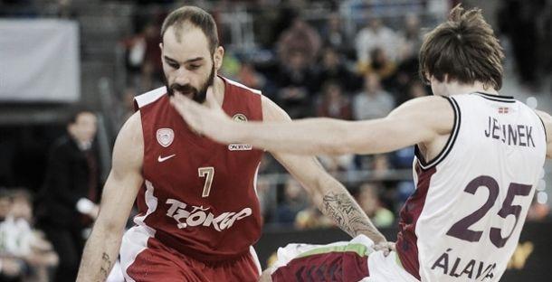 Olympiacos atropela e CSKA tira invencibilidade do Real