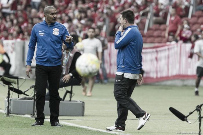 """Cristóvão Borges lamenta derrota corinthiana para Atlético-PR: """"Jogo foi muito equilibrado"""""""