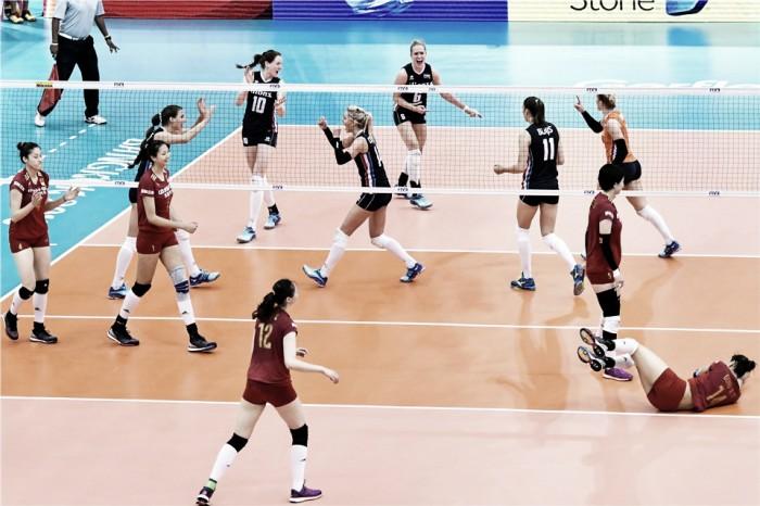 Em duelo de gigantes, Holanda vence China na estreia do vôlei feminino