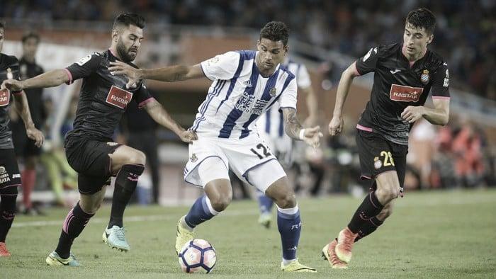 Willian José marca, mas Real Sociedad apenas empata com Espanyol em casa