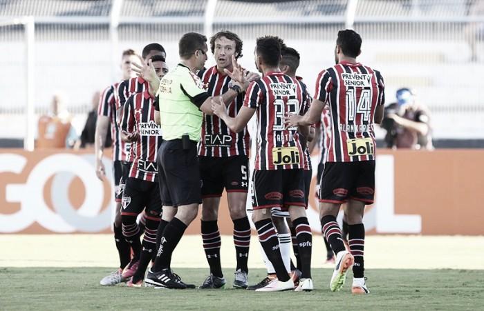 """Denis foca na Libertadores após derrota para Ponte: """"Vamos trabalhar para abrir vantagem"""""""