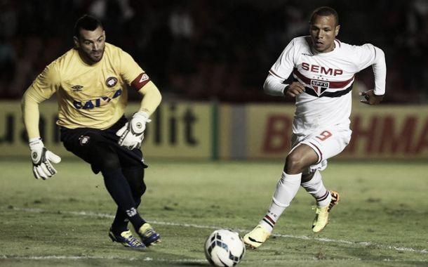 Para Luis Fabiano, São Paulo ainda está abaixo do rendimento esperado