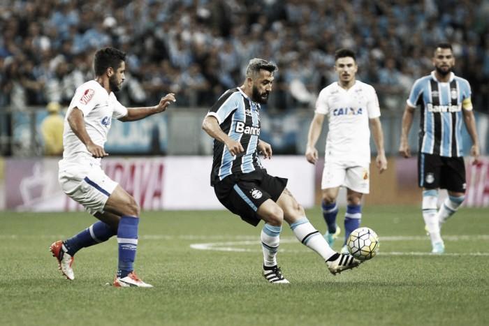 """Renato destaca classificação e obediência dos jogadores: """"Equipe chegou com méritos"""""""