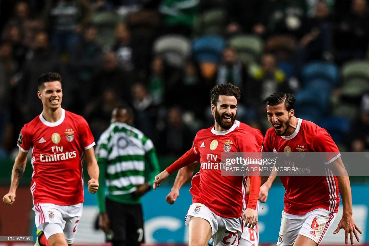 Benfica segue isolado