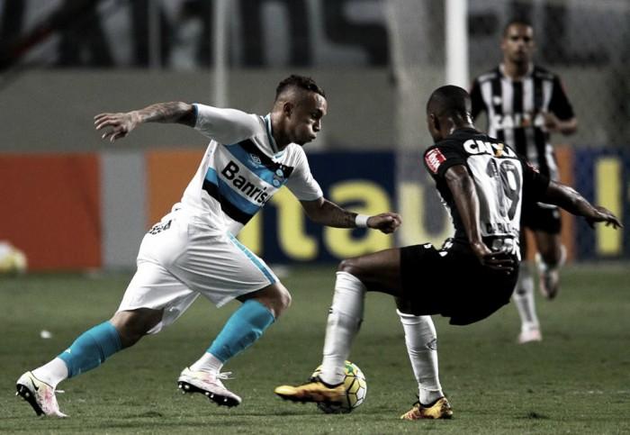 Grêmio recebe Atlético-MG em duelo direto pelo G-4 do Brasileirão
