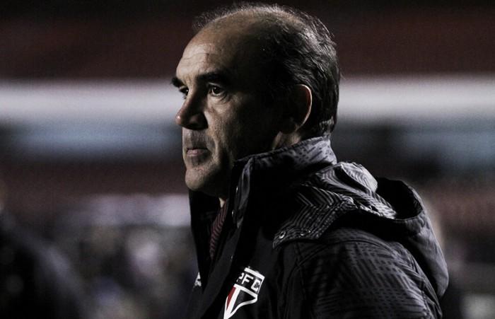 Ricardo Gomes aponta erros em derrota e destaca importância de ajustar a equipe