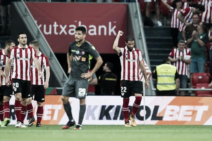 Raul García brilha, Athletic bate Dinamo Bucareste e avança aos playoffs da UEL