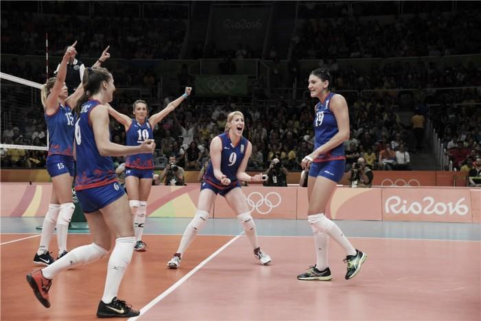 Sérvia controla jogo, vence Rússia e encara EUA nas semis do vôlei feminino