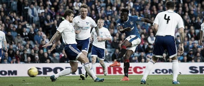Sem problemas, Rangers goleia Peterhead e avança na Copa da Liga