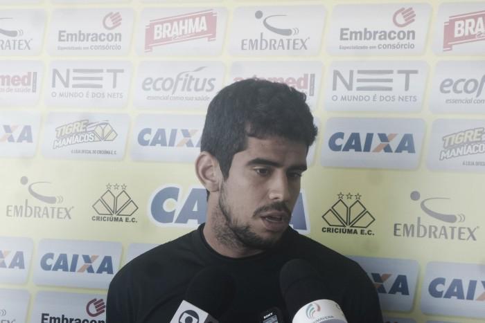 Na lanterna da Série B, Zé Roberto quer recuperação imediata do Criciúma