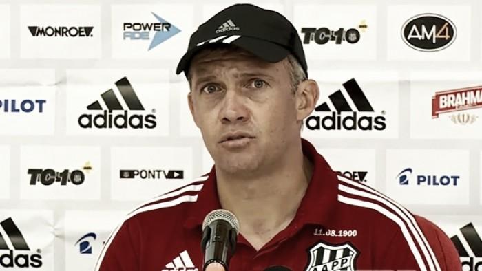 """Eduardo Baptista lamenta derrota para Fluminense: """"Não fomos felizes hoje"""""""
