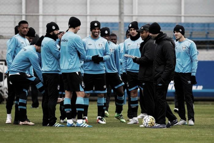 Com muito frio e desfalques, Grêmio viaja para Volta Redonda visando confronto diante do Fluminense