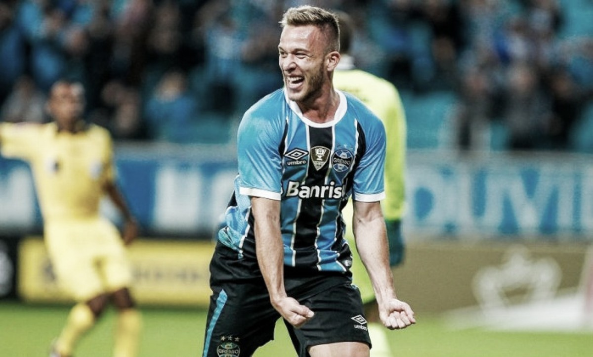 Barcelona chega a acordo com Grêmio para contratação de Arthur