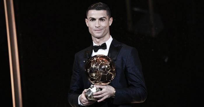 Cristiano Ronaldo iguala Messi e conquista quinta Bola de Ouro da carreira