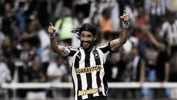 Torcida do Botafogo organiza evento para homenagear Loco Abreu