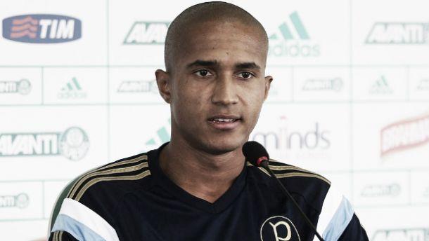 Palmeiras empresta volante Renato ao Joinville