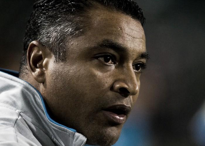 Roger é suspenso pelo STJD por desrespeito ao árbitro em jogo contra Fluminense