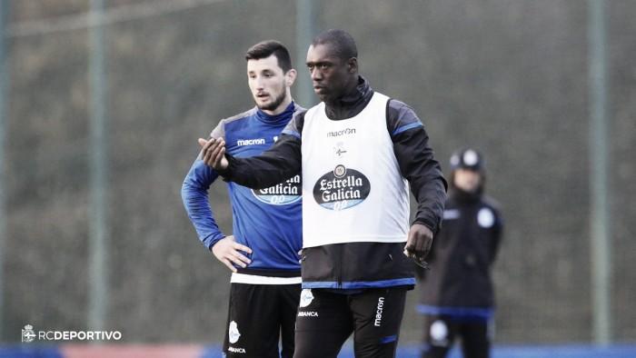 """Apresentado no La Coruña, Seedorf exalta Zidane: """"Inspiração para qualquer novo técnico"""""""